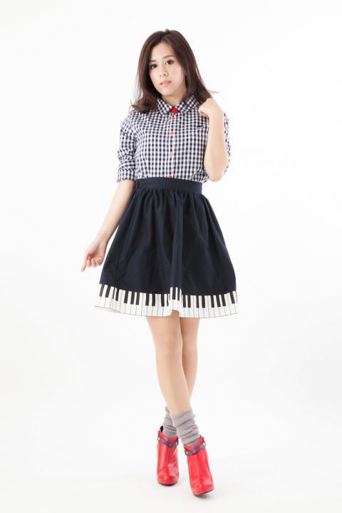 RADIO EVA DUO渚カヲルモデル ピアノスカート&ギンガムチェックシャツ