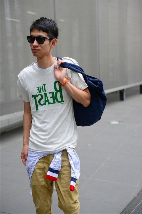 RADIOEVA BEAST Tシャツ