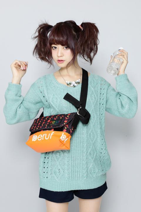 魔法少女まどか☆マギカ お菓子の魔女メッセンジャーバッグS