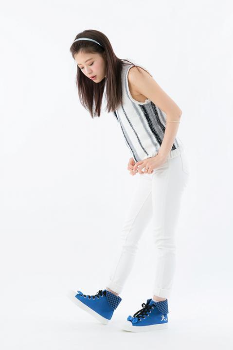 五年生 モデル スニーカー 靴 忍たま乱太郎