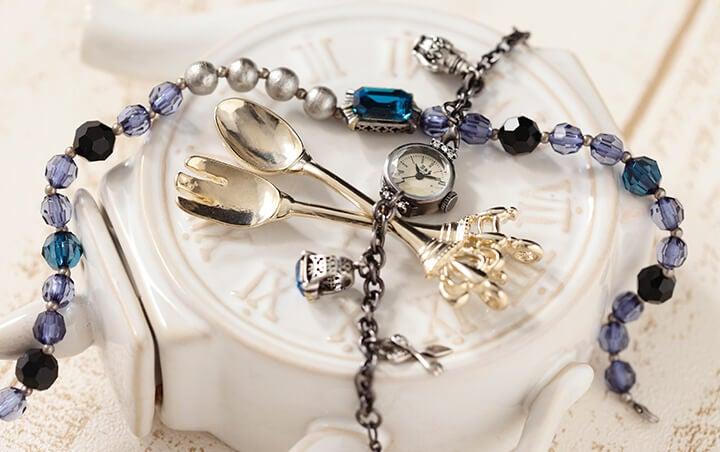 黒執事『Book of Circus』のセバスチャンとシエルをイメージした腕時計がリリース!