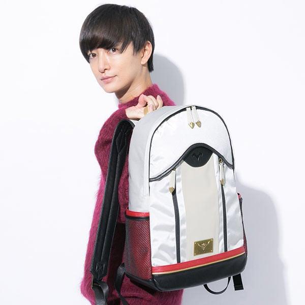 赤のセイバーモデル バッグ