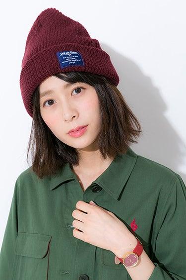 八田美咲 モデル ボルドーカラーのマニッシュコーデ